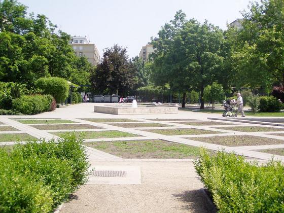 Tschöppy: Közösségi tér