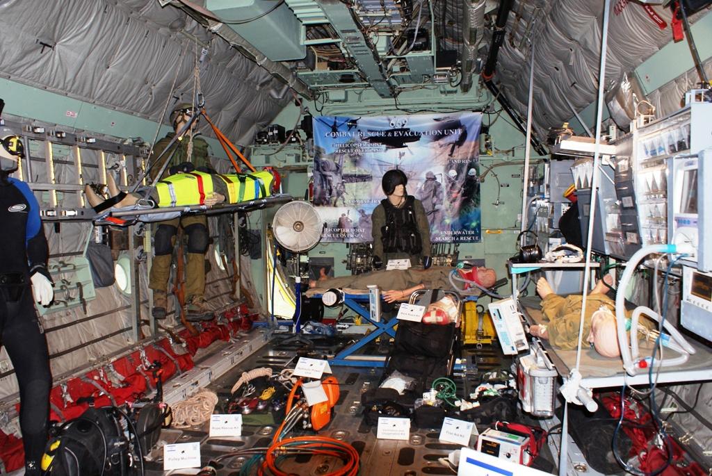 tourista: Repülőnap 2010 Izraeli Légierő C -130 belülről