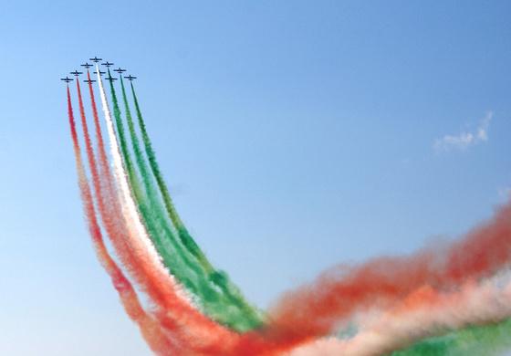 tourista: Repülőnap 2010 - piros-fehér-zöld-fehér-piros Frecce Tricolori