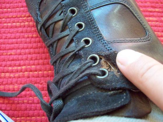 8a0463f3aa Hamarabb szétesett az új cipőm, mint hogy kiposztoltam volna
