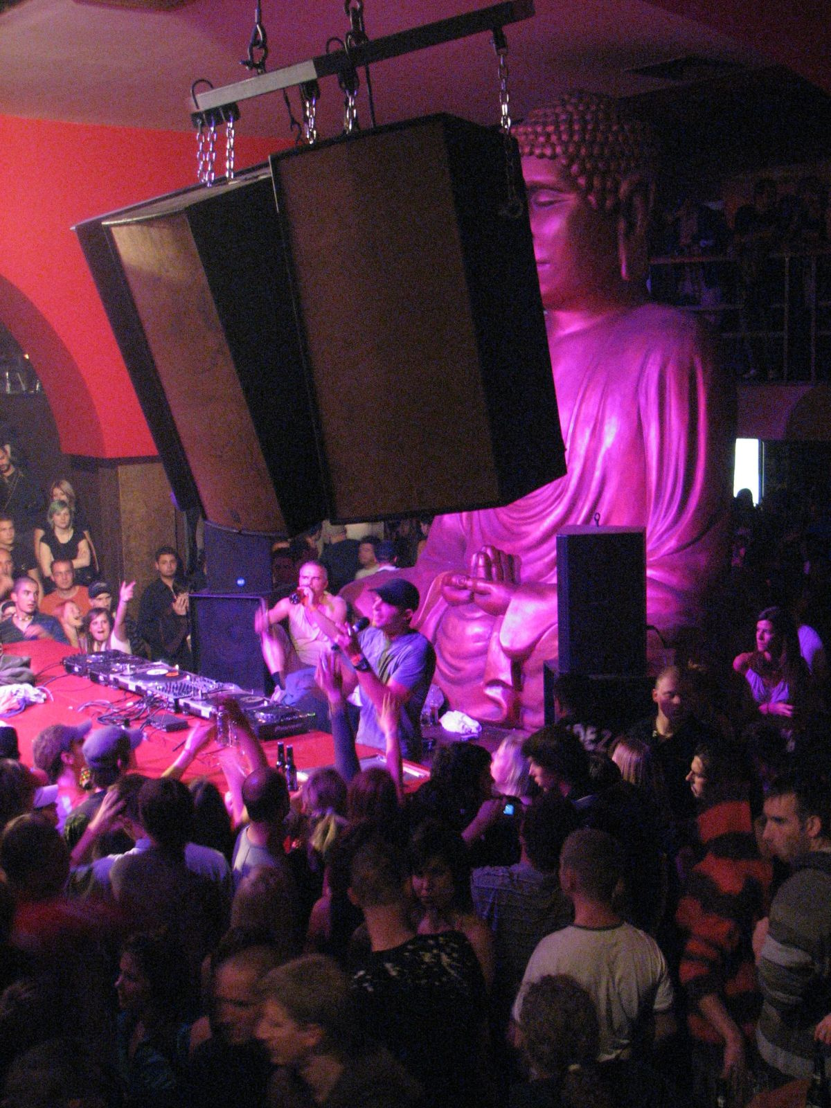 DJ pult a Bedben